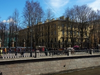 соседний дом: ул. Набережная канала Грибоедова, дом 2Б. многоквартирный дом