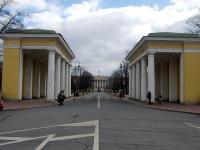 Центральный район, площадь Пролетарской Диктатуры, декоративное сооружение
