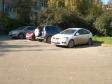 Екатеринбург, ул. 8 Марта, 121: условия парковки возле дома