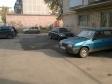 Екатеринбург, ул. Колхозников, 85: условия парковки возле дома