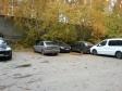 Екатеринбург, ул. Серова, 35: условия парковки возле дома
