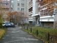 Екатеринбург, ул. Сурикова, 50: приподъездная территория дома