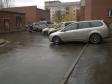 Екатеринбург, ул. Большакова, 111: условия парковки возле дома