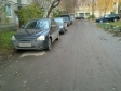 Екатеринбург, ул. Степана Разина, 51: условия парковки возле дома
