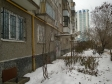Екатеринбург, Samoletnaya st., 43: приподъездная территория дома