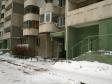 Екатеринбург, ул. Крестинского, 27: приподъездная территория дома