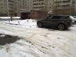 Екатеринбург, ул. Крестинского, 37/1: условия парковки возле дома