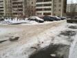 Екатеринбург, ул. Крестинского, 37/2: условия парковки возле дома