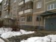 Екатеринбург, Уральская ул, 64: приподъездная территория дома