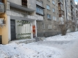 Екатеринбург, ул. Индустрии, 28: приподъездная территория дома