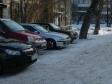Екатеринбург, ул. 40 лет Октября, 33: условия парковки возле дома