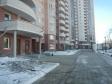 Екатеринбург, ул. Юлиуса Фучика, 1: приподъездная территория дома