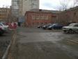 Екатеринбург, ул. Попова, 11: условия парковки возле дома