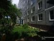 Тольятти, Revolyutsionnaya st., 2: приподъездная территория дома