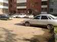 Екатеринбург, ул. Ляпустина, 11: условия парковки возле дома