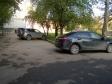 Екатеринбург, ул. Санаторная, 37: условия парковки возле дома