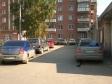 Екатеринбург, ул. Уральская, 4: условия парковки возле дома