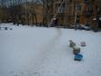 Екатеринбург, ул. Краснофлотцев, 1В: площадка для отдыха возле дома