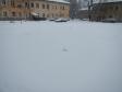 Екатеринбург, ул. Лобкова, 8: площадка для отдыха возле дома
