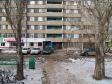 Тольятти, ул. Дзержинского, 29: площадка для отдыха возле дома