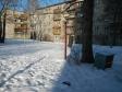 Екатеринбург, ул. Краснофлотцев, 51: площадка для отдыха возле дома