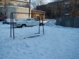 Екатеринбург, ул. Красных Борцов, 11: площадка для отдыха возле дома