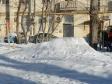 Екатеринбург, ул. Азина, 45: площадка для отдыха возле дома