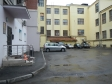 Екатеринбург, ул. Белинского, 71В: площадка для отдыха возле дома