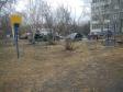 Екатеринбург, ул. Большакова, 17: спортивная площадка возле дома