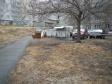 Екатеринбург, ул. Ткачей, 8: площадка для отдыха возле дома
