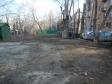 Екатеринбург, ул. Луначарского, 76: площадка для отдыха возле дома