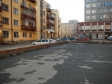 Екатеринбург, ул. Луначарского, 77: площадка для отдыха возле дома
