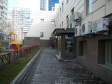 Екатеринбург, ул. Хохрякова, 102: площадка для отдыха возле дома