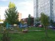 Тольятти, ул. Тополиная, 8: площадка для отдыха возле дома