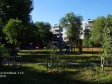 Тольятти, ул. Революционная, 4: детская площадка возле дома