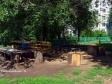 Тольятти, ул. Революционная, 12: площадка для отдыха возле дома