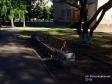Тольятти, ул. Революционная, 16: площадка для отдыха возле дома