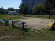 Тольятти, ул. Льва Яшина, 10: площадка для отдыха возле дома