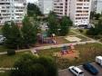 Тольятти, б-р. Рябиновый, 8: детская площадка возле дома