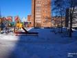 Тольятти, б-р. Цветной, 1: детская площадка возле дома