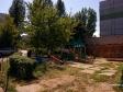 Тольятти, б-р. Космонавтов, 2: детская площадка возле дома