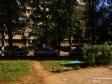 Тольятти, б-р. Космонавтов, 4: площадка для отдыха возле дома