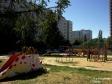Тольятти, б-р. Космонавтов, 9: детская площадка возле дома