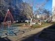 Тольятти, б-р. Космонавтов, 11: детская площадка возле дома