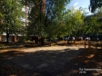 Тольятти, б-р. Орджоникидзе, 13: детская площадка возле дома