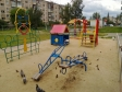 Екатеринбург, ул. Самолетная, 25: детская площадка возле дома