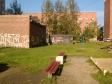 Екатеринбург, ул. Ляпустина, 11: площадка для отдыха возле дома