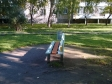 Екатеринбург, ул. Ляпустина, 13: площадка для отдыха возле дома