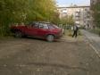 Екатеринбург, ул. Академика Губкина, 85: площадка для отдыха возле дома