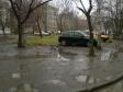 Екатеринбург, ул. Шаумяна, 94: площадка для отдыха возле дома